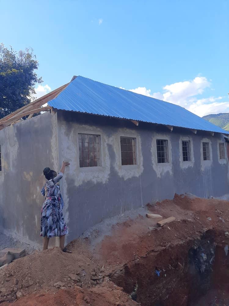 Sanitäranlagen Jungen Mwanga - Dach